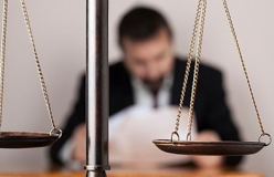 Should you protect your business from legal risks? 5 solid reasons to do it right now.