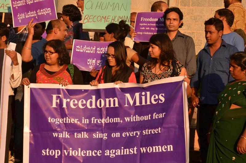 Bangalore_protests_following_Delhi_gang-rape_(photo_-_Jim_Ankan_Deka)