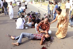 Road Accident Crowd