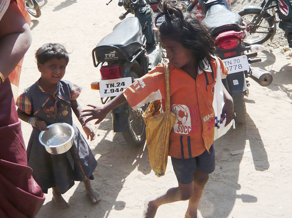 ''giving money to beggars vs being Most local authorities discourage people from giving money to those on the   david barnett asks whether it is ethical to give money to street beggars  the  money will often be used to buy drugs or alcohol, not food or shelter.