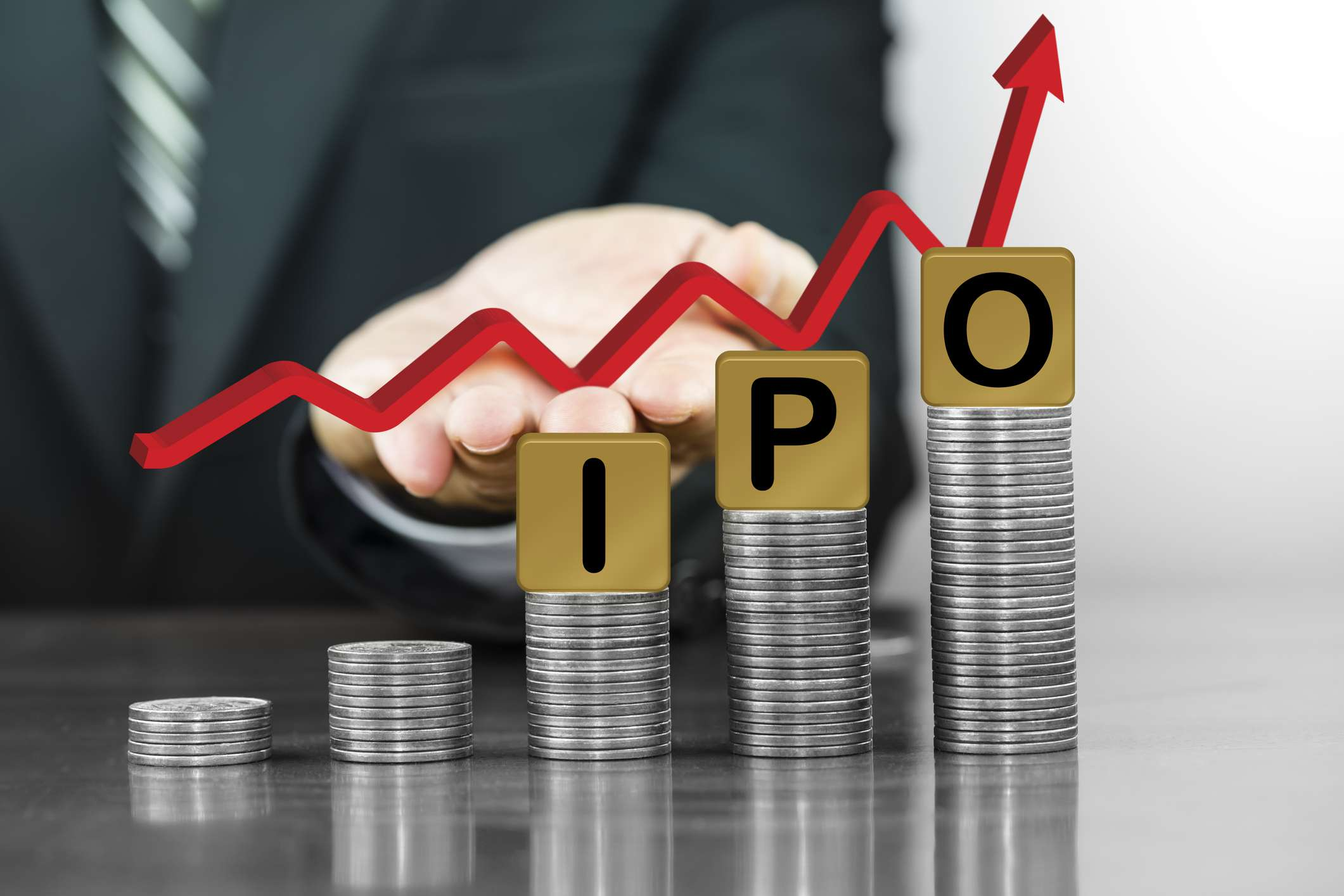 Advantages and Disadvantages of Investing in an IPO