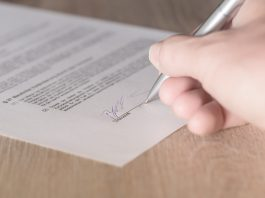 Five important clauses that can be found in all commercial contracts